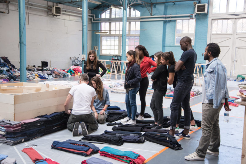 Clothing Stacking Demo (Photo byEdouard Ducos)